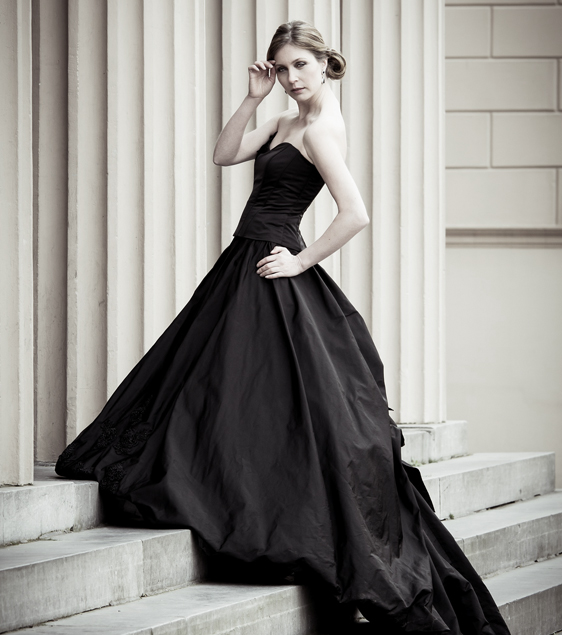 Taedepoortinga_black_dress