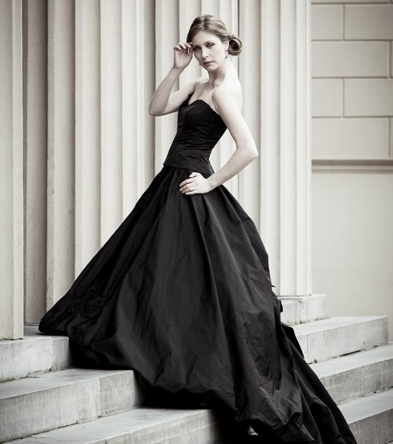 Taedepoortinga_black_dress